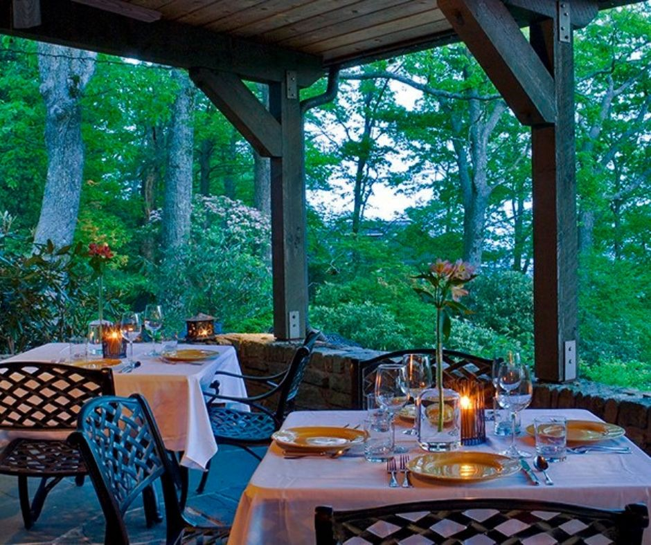 Lush trees in the mountains outside the dining area of Gideon Ridge Inn.
