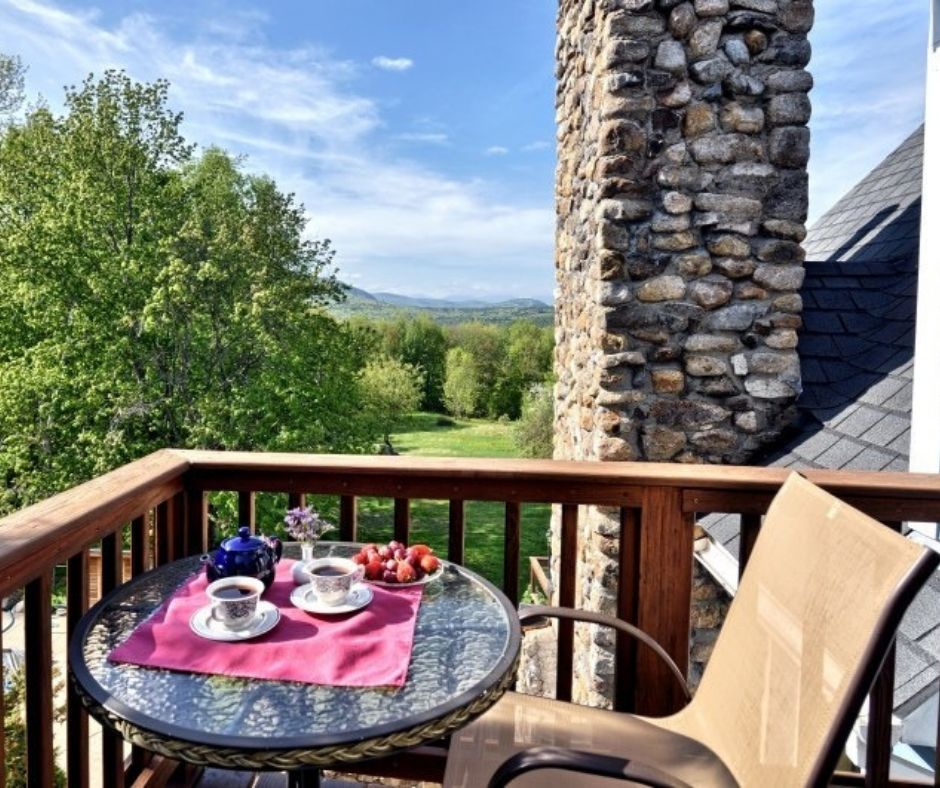 Mountain views on a balcony at Darby Field Inn.