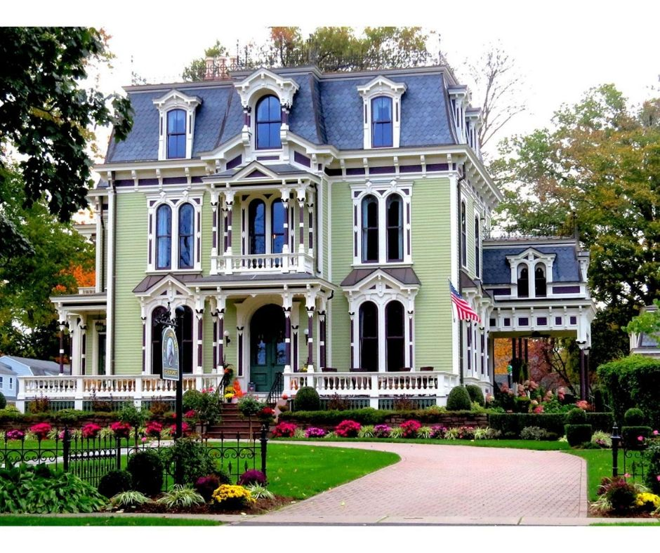 Lush landscapes and the beautiful, historic Silas W Robbins House.