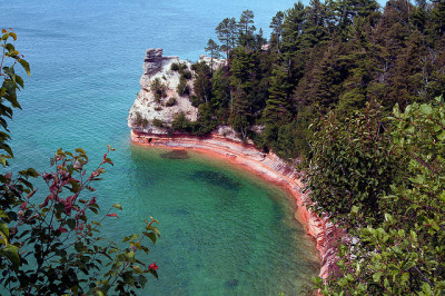 bueatiful view of pictured rocks national lakeshore
