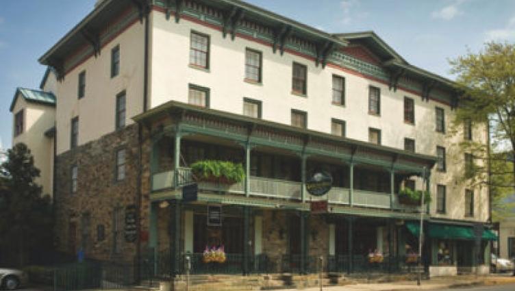 The Lambertville House