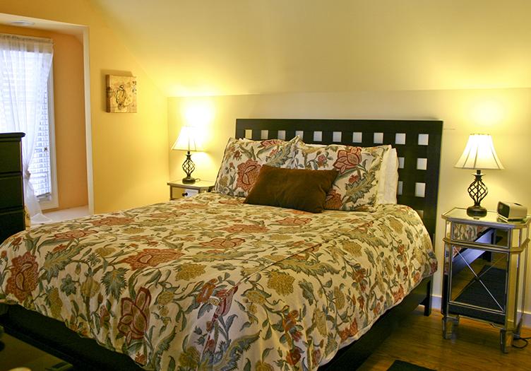 400-west-high-guestroom1
