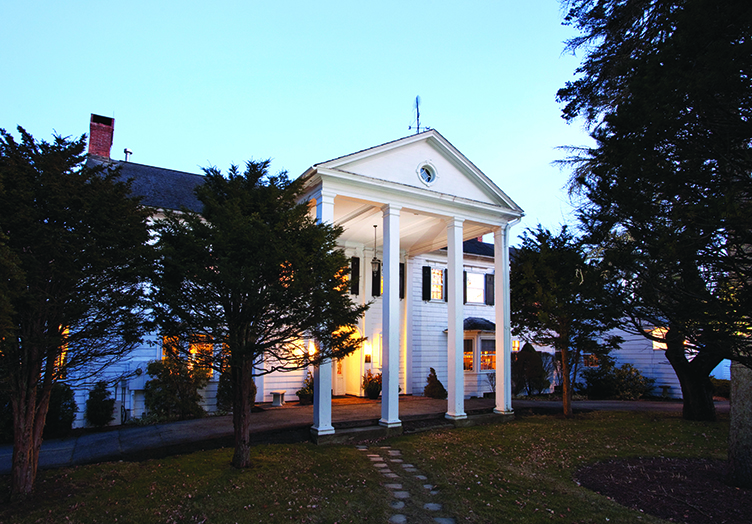 Applegate Inn Bed & Breakfast