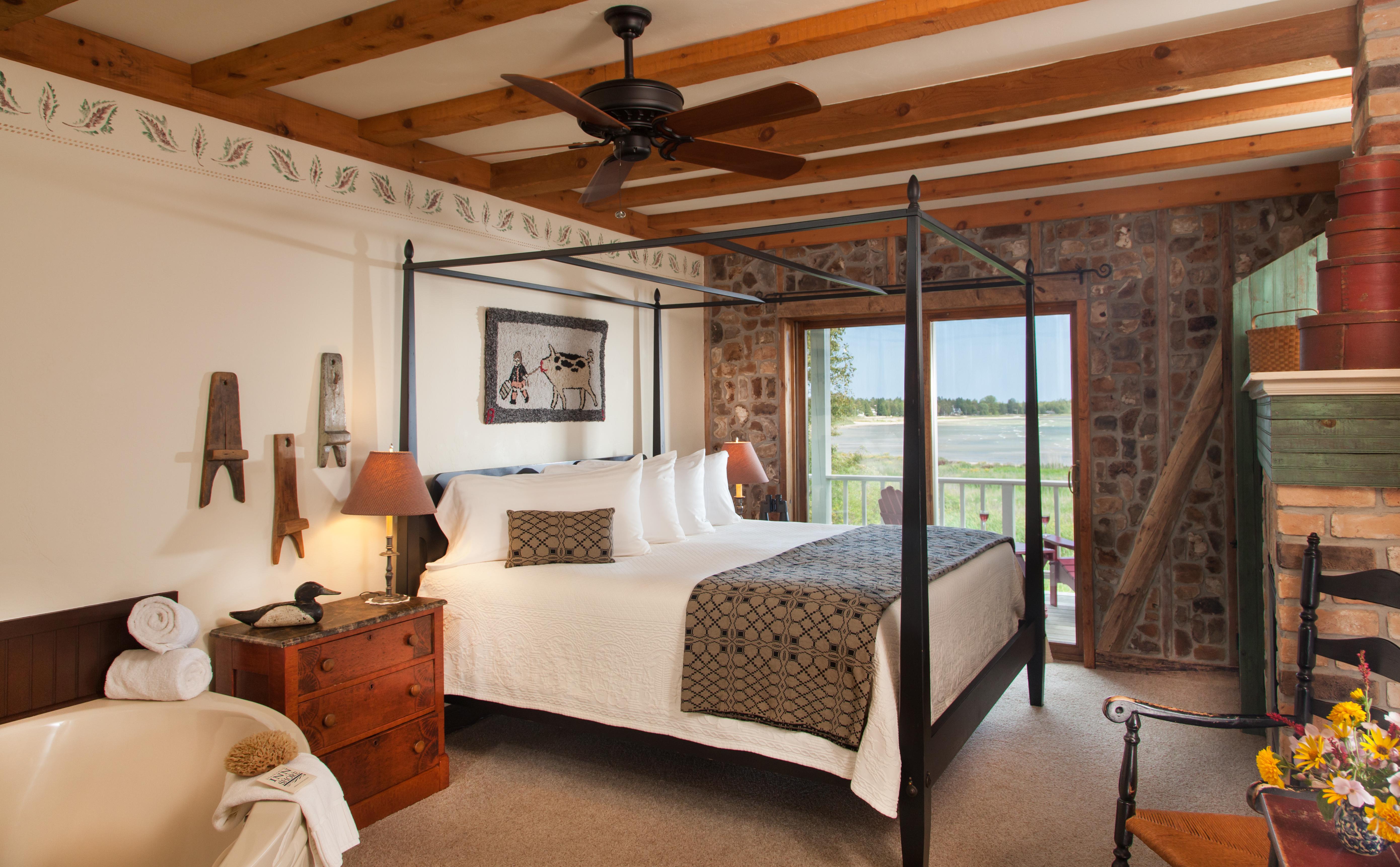 Blacksmith-inn-bed