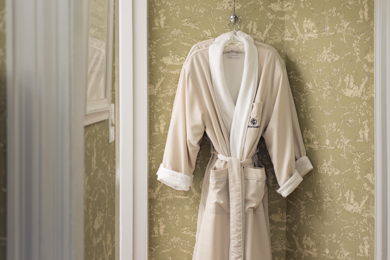 Chatham Room 4 Robe