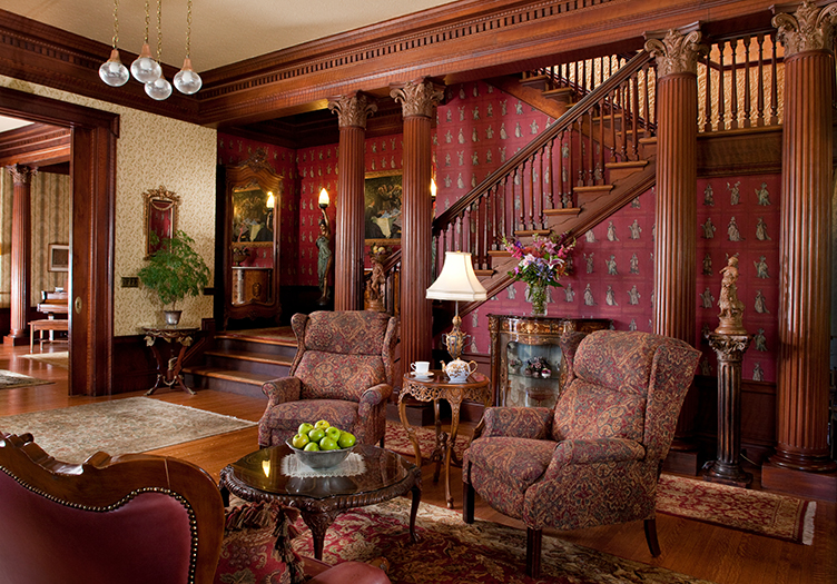 Churchill_Manor Staircase