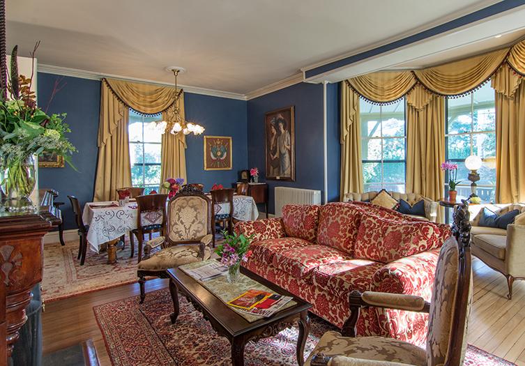 Cliffside Living room