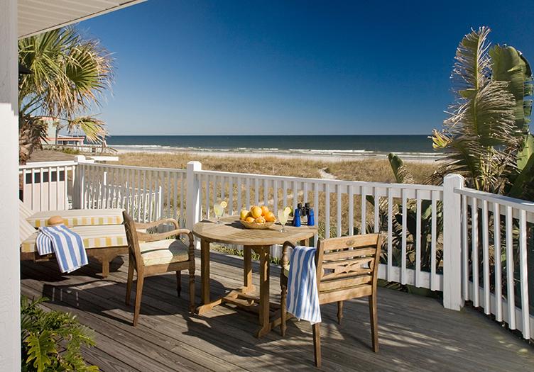 Elizabeth_Pointe_Breakfast Table by Ocean