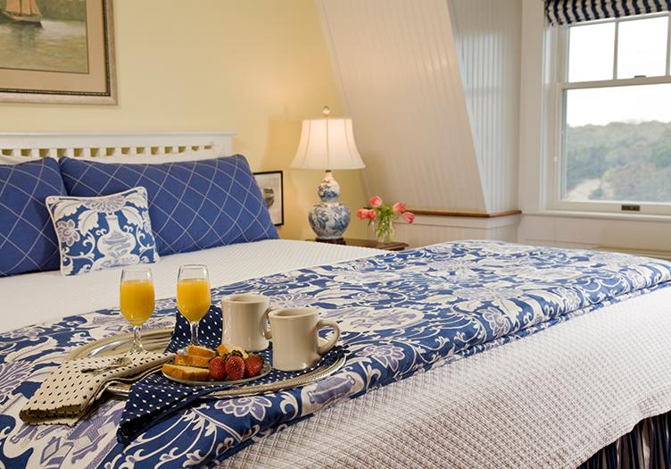 -Elizabeth_Pointe_Breakfast Tray on Bed