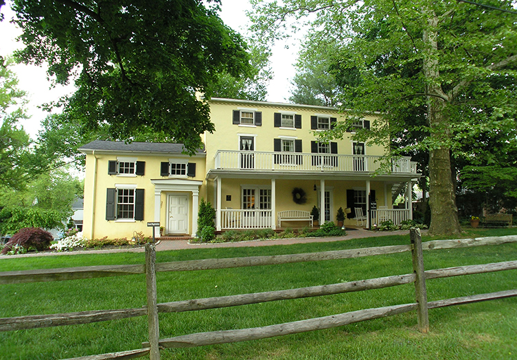 Fairville Inn Bed & Breakfast
