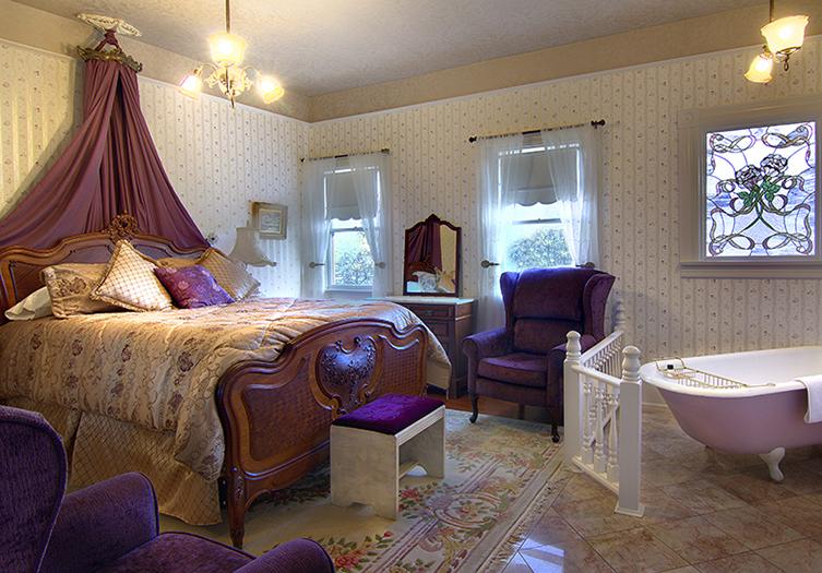 Gingerbread Mansion lilacroom