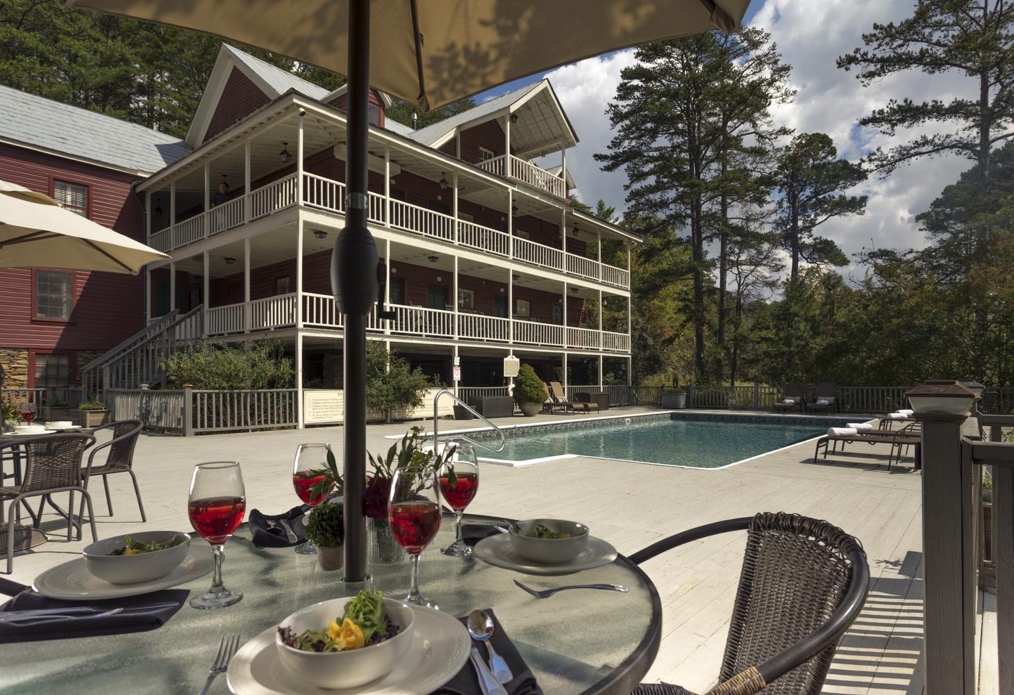 Glen-Ella Springs Inn & Restaurant