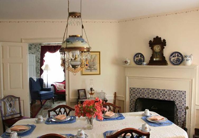 Hickory_bridge_farm_dining_room