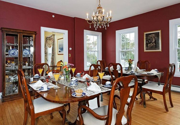 Kennebec-inn-dining-room