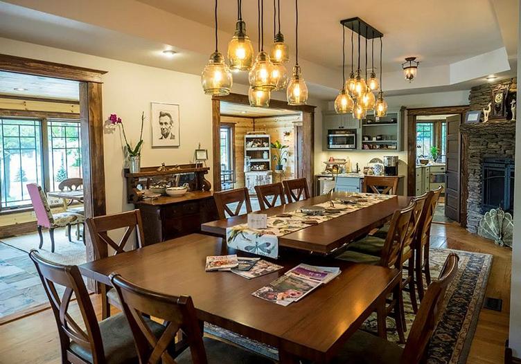 Lincoln-Way-Inn-dining-room