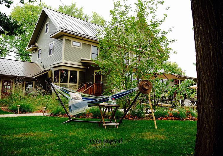 Lincoln-Way-Inn-hammock