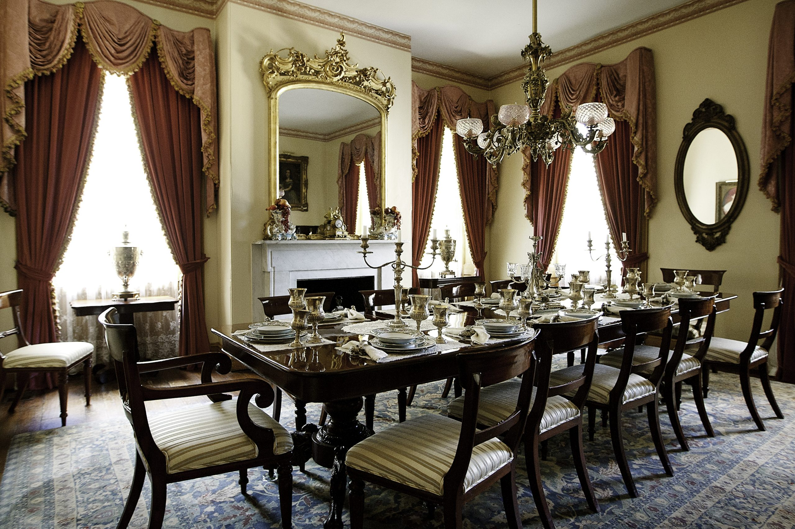 Monmouth-historic-inn-Dining-Room