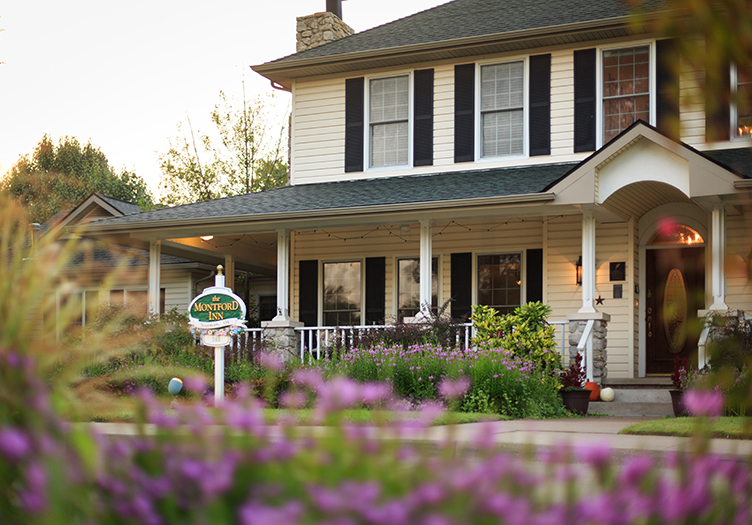 Montford_inn_cottages_Spring-exterior
