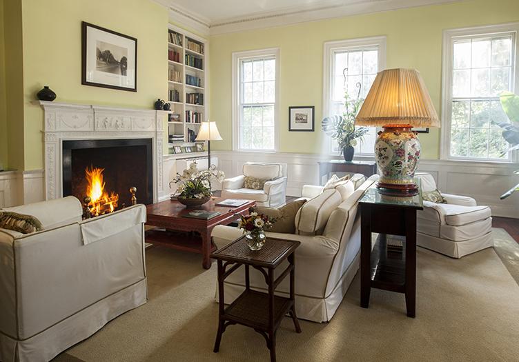 Rhett House Inn Sitting Area Fireplace