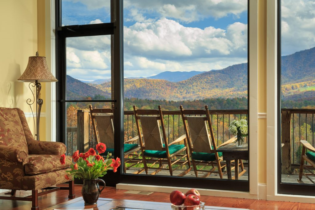 4 Places To Stay In Gatlinburg Or Pigeon Forge Select