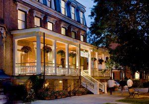 Saratoga arms exterior