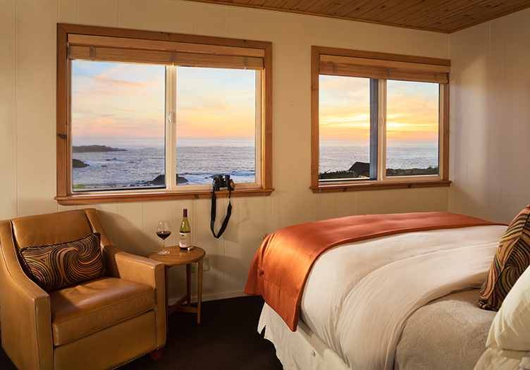 Sea_Rock_Inn_Interior-ocean-view