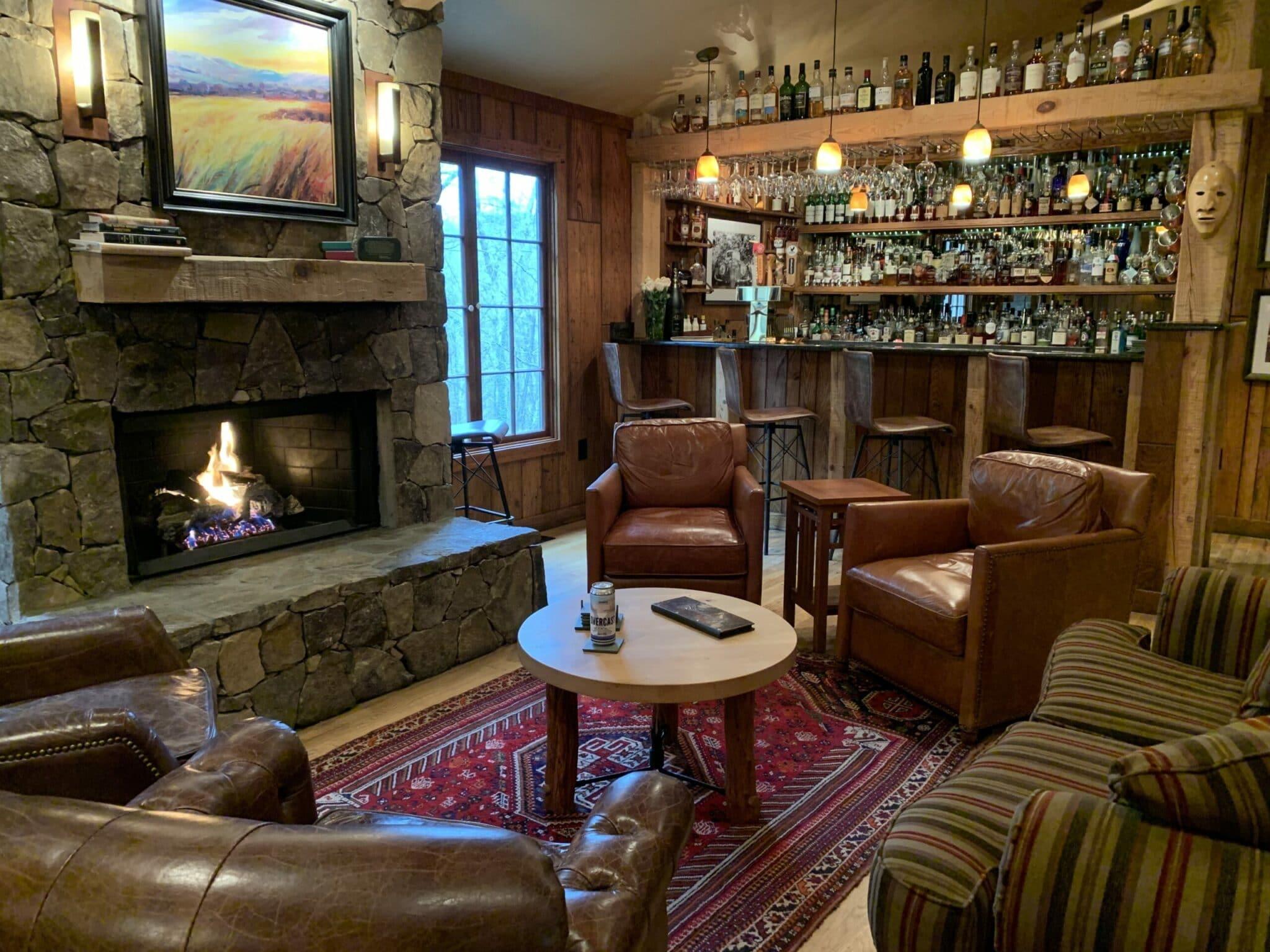 Snowbird-Mountain-Lodge-Fireside-Bar-scaled