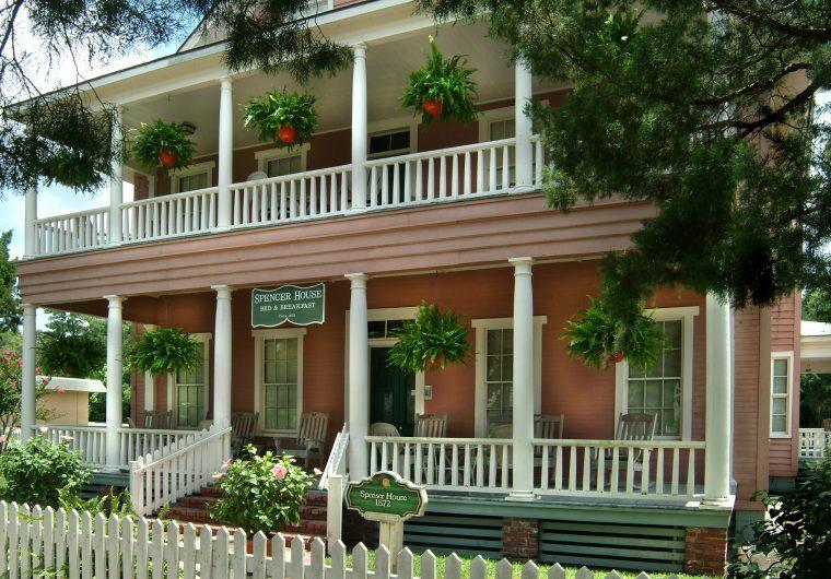 spencer-house-inn-exterior