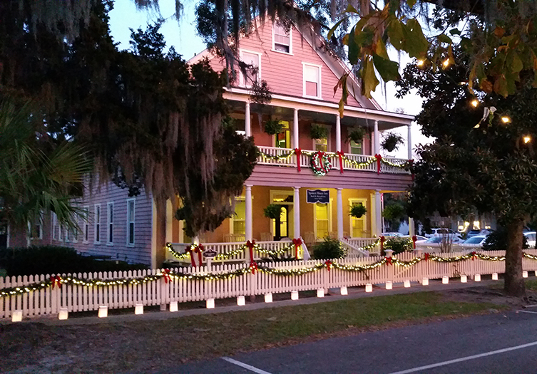 Spencer_House_Inn_Candlelight_tour_of_homes_Holidays
