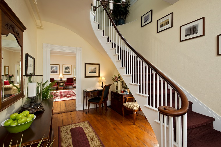The Inn at Cape Cod Staircase
