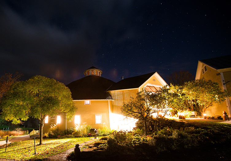 The Inn at Round Barn Farm Evening View of the beautiful sky and well lit property