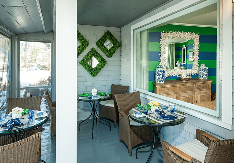 Trellis House Breakfast Seating