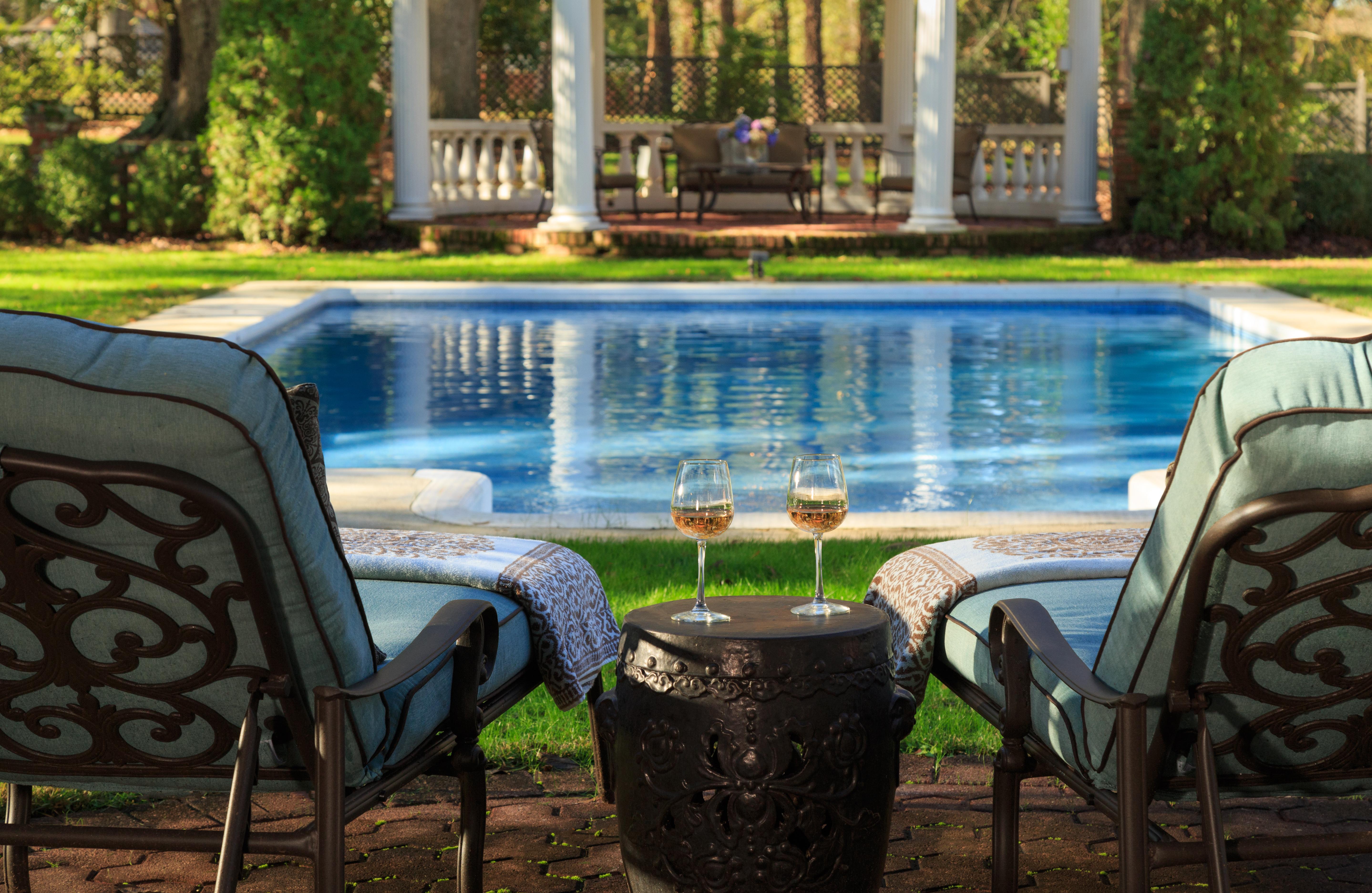 Twelve Oaks Poolside