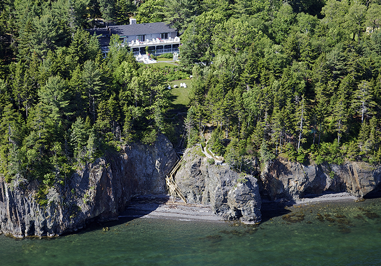 The Inn at Bay Ledge Aerial view