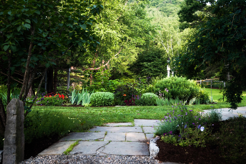 four-columns-garden