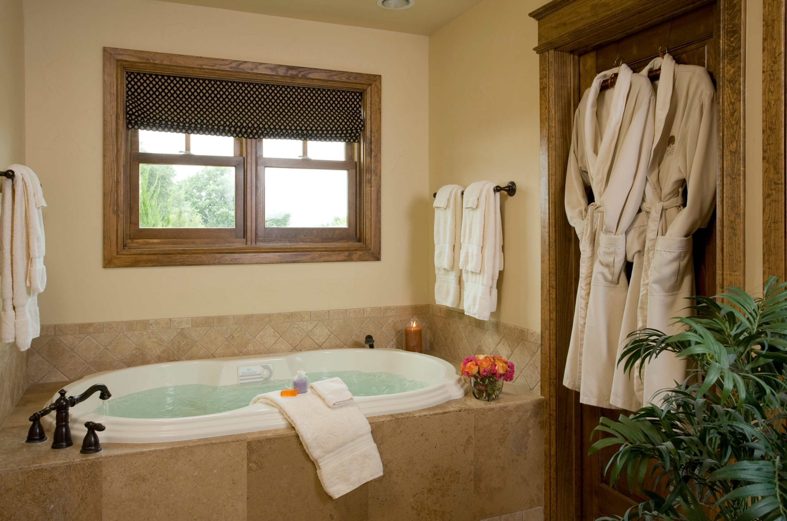 granbury-belle-starr-suite-bath
