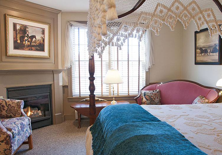 hancock-inn-guestroom2