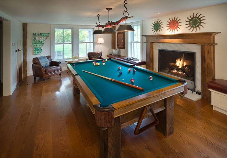 hill-farm-inn-pool-table