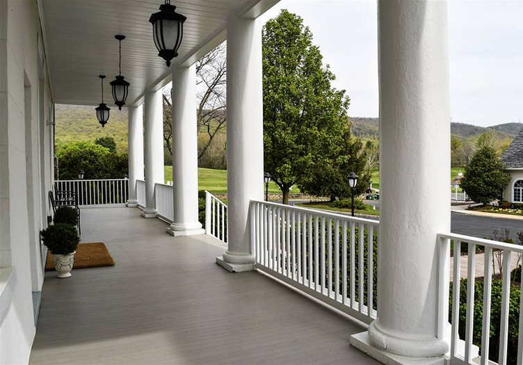 inn-at-evergreen-back-porch