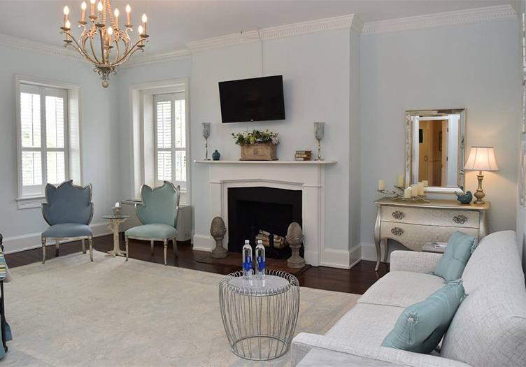 inn-at-evergreen-guestroom2