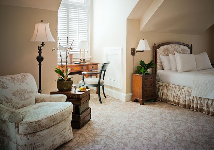 thedukemansionbedandbreakfastbedroom2