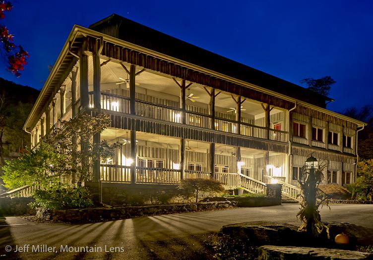 The Esmeralda Inn at Night