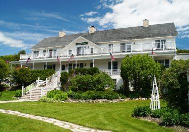 Hillside Inn exterior
