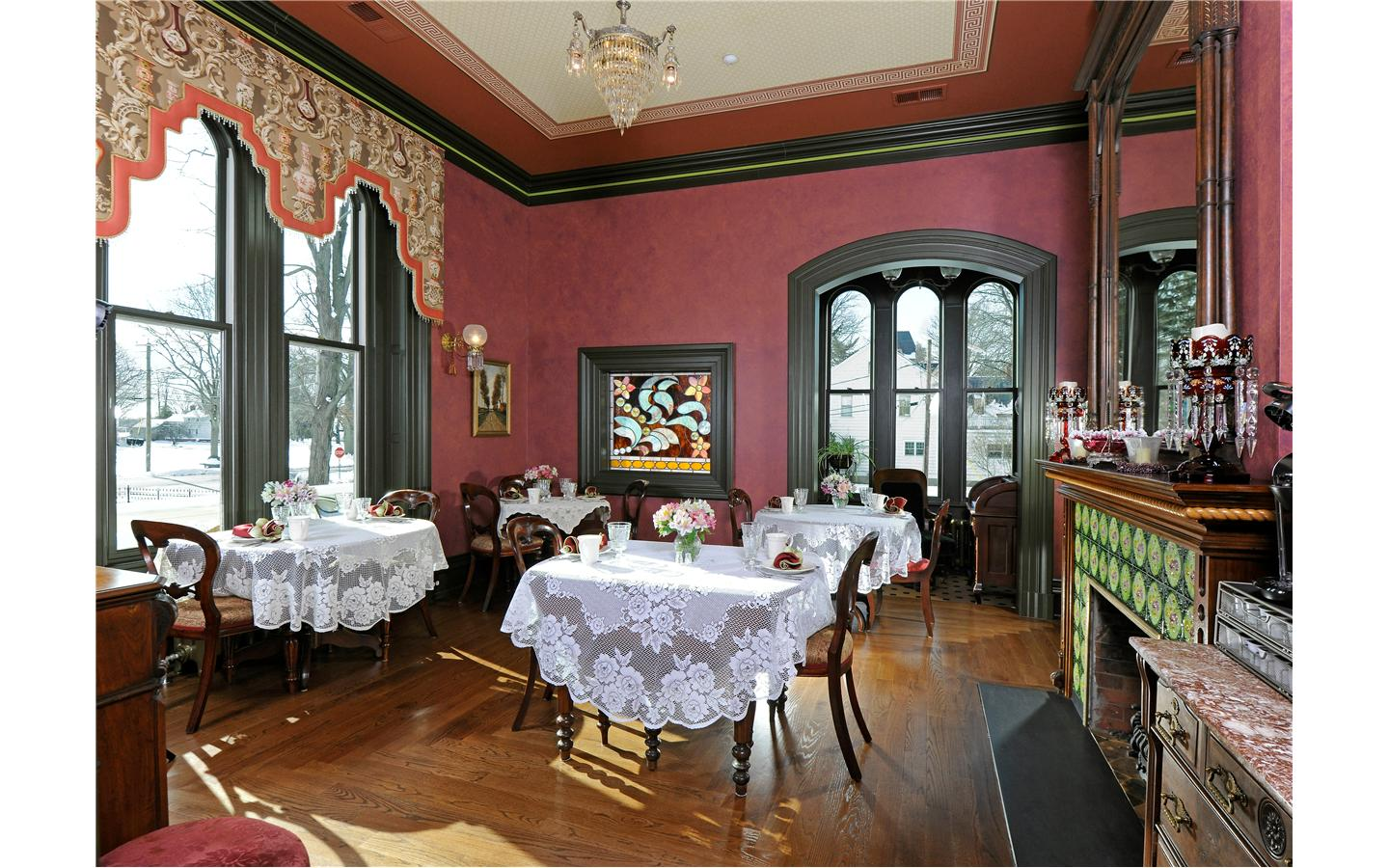 Silas Robbins Breakfast Room