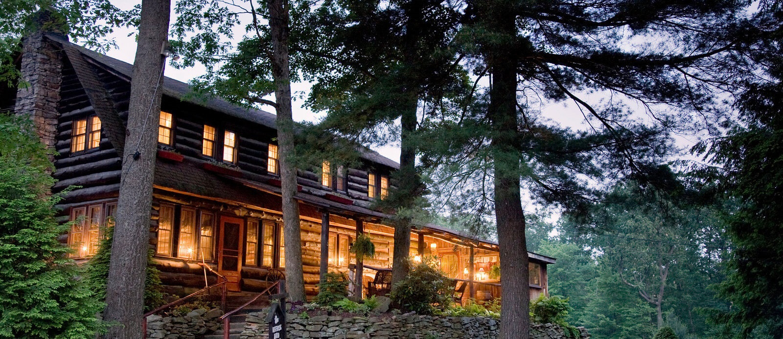 lodges and luxury cabins