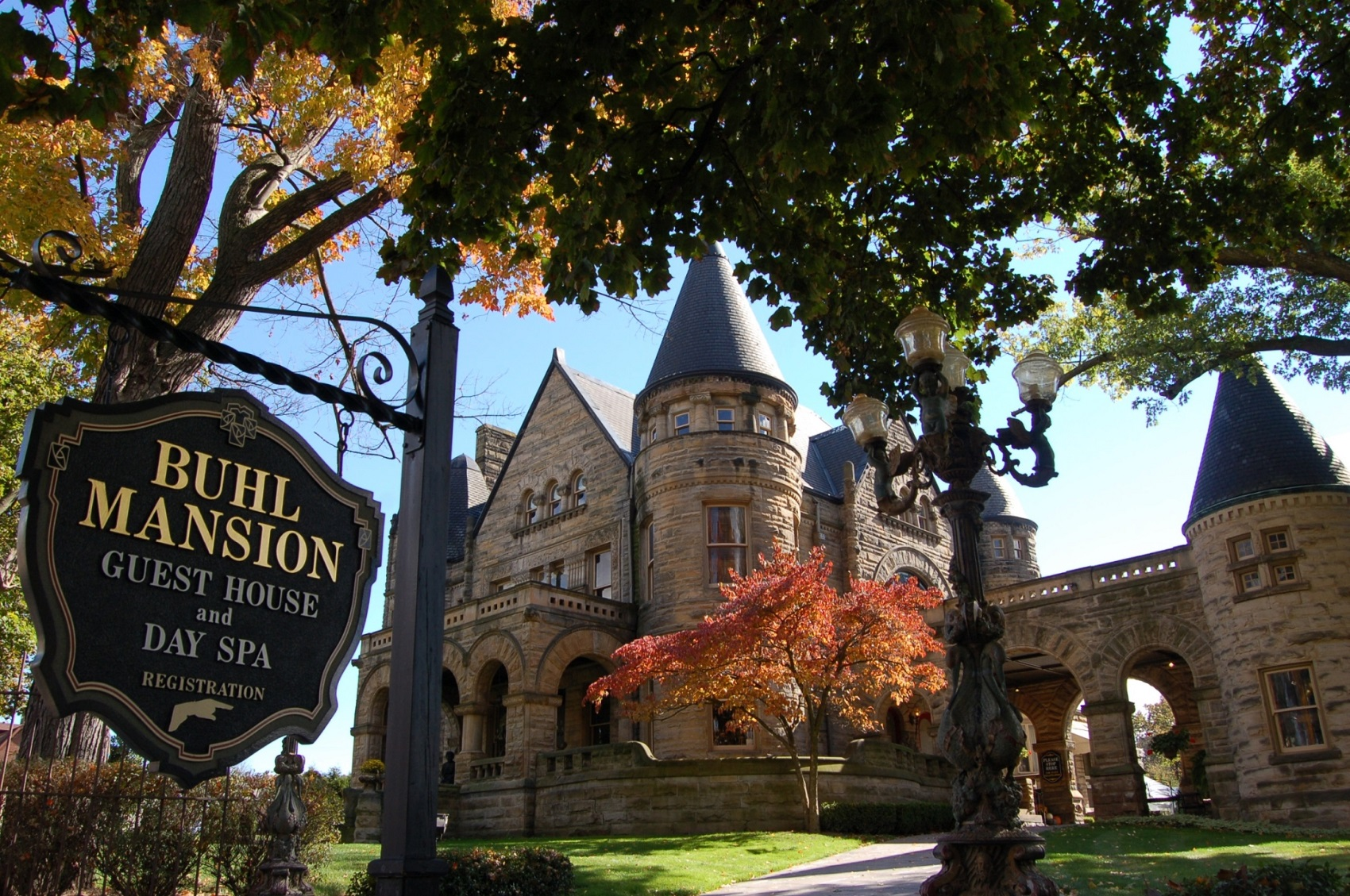 Buhl Mansion Guesthouse and Spa