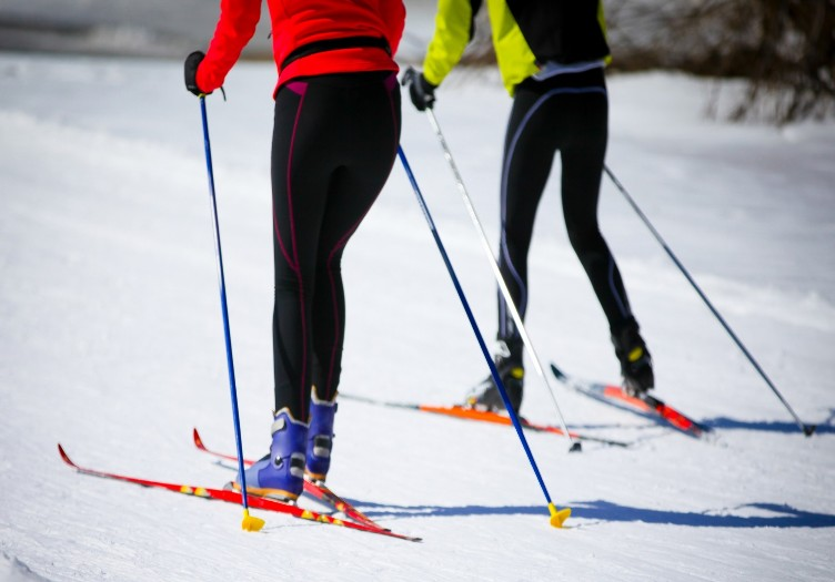 Couple Cross Country Skiing in new mexico