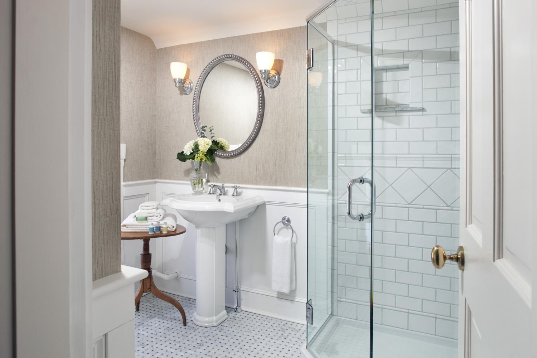 Jacskon Francesa Bath