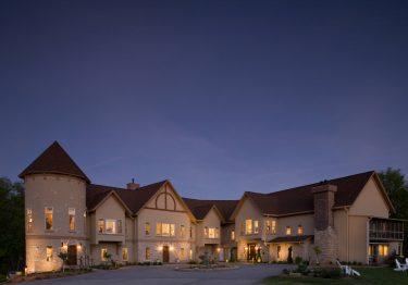 Exterior Goldmoor inn at dusk