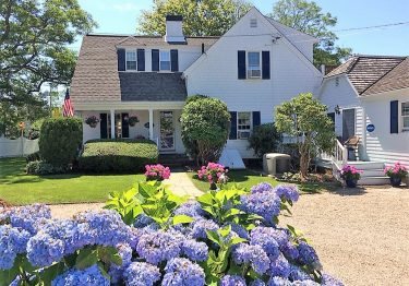 carriage house inn vacation rental chatham cape cod
